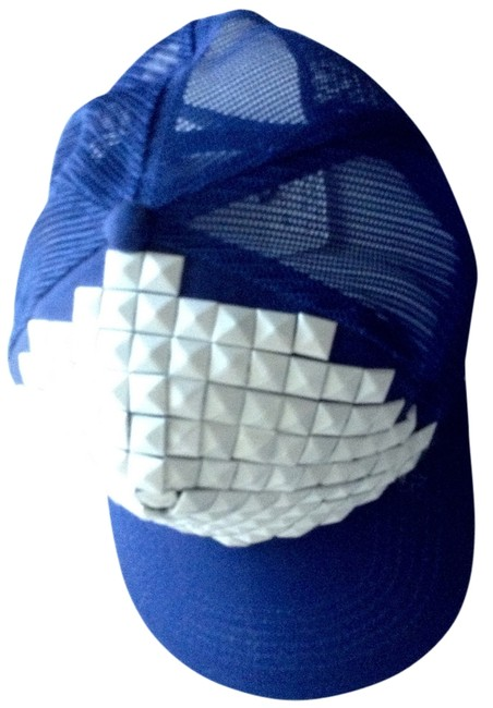 Item - Blue and White The Hat