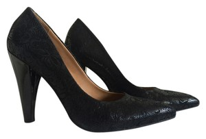 Nicole Heel Lace Pattern Black Pumps