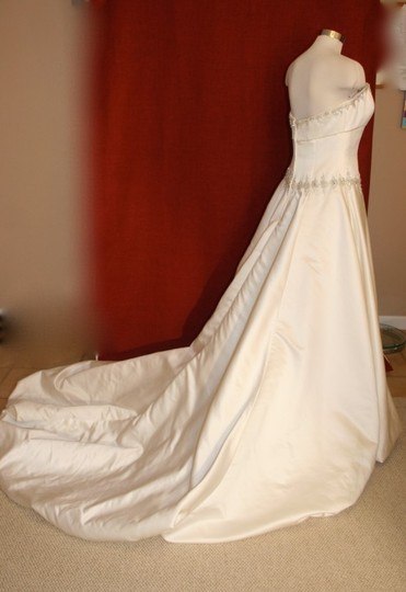 Ivory Satin Beaded Bridal Gown #9123 Formal Wedding Dress Size 8 (M)