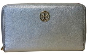 Tory Burch Tory Burch Silver Saffron Leather Wallet