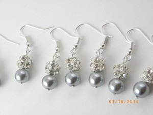 Set Of 6 Bridesmaid Gray Pearl Earrings 6 Pairs Bridesmaid Rhinestone Earrings Bridesmaid Pearl Earrings Pearl And