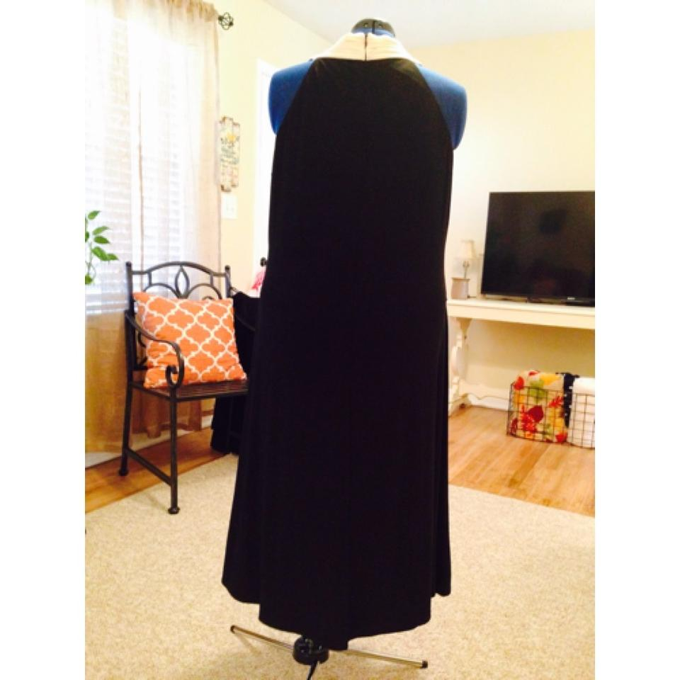 Dress Barn Black And White Mid Length Formal Dress Size 20 Plus 1x