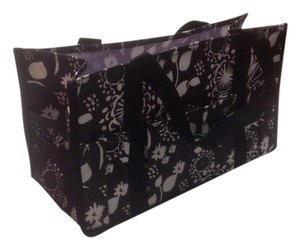 Tote in Black and white