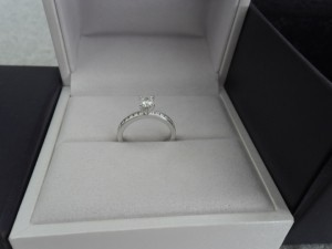 Hearts on Fire White/White Gold Dream Diamond Engagement Ring