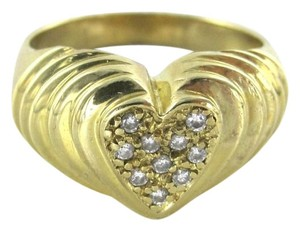 14KT YELLOW GOLD HEART BAND RING WITH 10 DIAMONDS