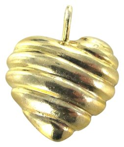 14KT Yellow Gold Pendant heart Ribbed Valentines jewelry