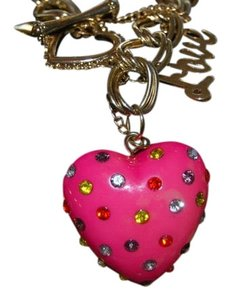 BETSEY JOHNSON BETSEY JOHNSON LOVE HEART BRACELET