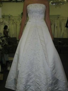 Mary's Bridal Style Number 8423 Wedding Dress