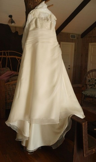 Diamond/Silk White Tulle The One Bridal Feminine Dress Size 20 (Plus 1x)
