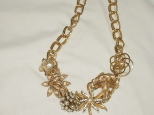 Gold/Gold Plate Vintage Necklace