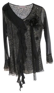 pretty angel Top black lace with silver leopard undertone