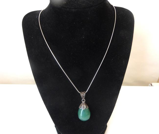 Colleen Lopez .925 W Green Adventurine Gemstone Pendant W/Chain Necklace Colleen Lopez .925 W Green Adventurine Gemstone Pendant W/Chain Necklace Image 1