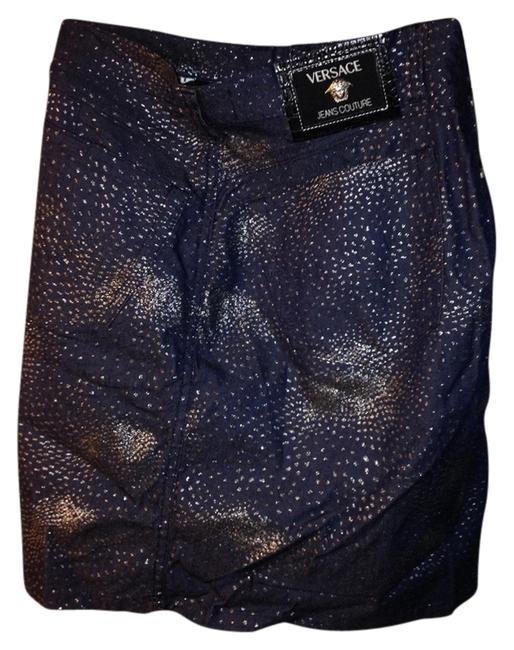 Preload https://item5.tradesy.com/images/versace-jean-knee-length-skirt-size-12-l-32-33-692364-0-0.jpg?width=400&height=650