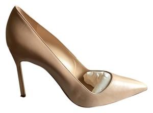 Manolo Blahnik Beige cream Pumps