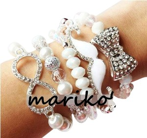 white Bow Mustache Moustache Infinity Arm Candy Set