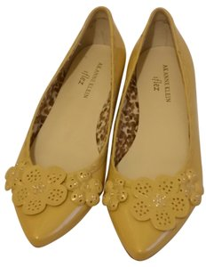 AK Anne Klein Yellow Flowers Embellished Flats