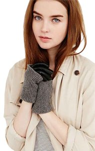 Urban Outfitters Urban Outfitter Faux Fur Knit gloves