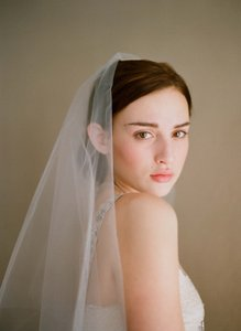 BHLDN Twigs & Honey Single Layer Fingertip Veil