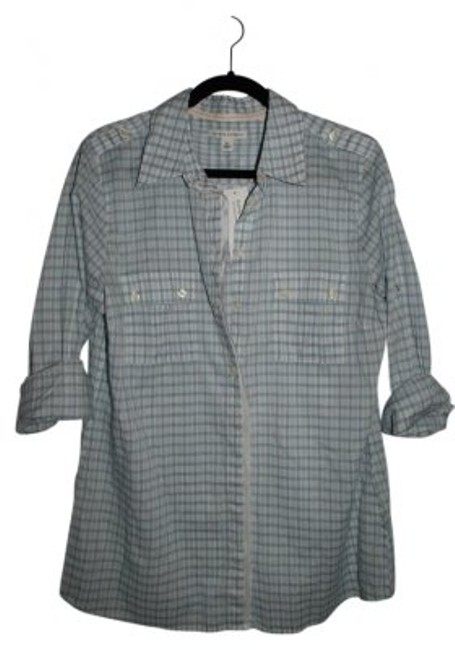 Preload https://item3.tradesy.com/images/banana-republic-blue-and-white-button-down-top-size-16-xl-plus-0x-6932-0-0.jpg?width=400&height=650
