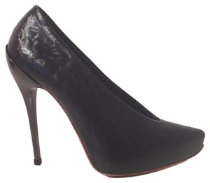 Q by Pasquale Black Pumps