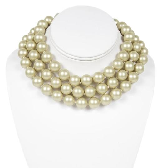 Preload https://img-static.tradesy.com/item/6933010/chanel-gold-vintage-pearl-necklace-0-1-540-540.jpg