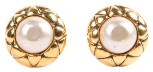 Chanel Chanel Gold Pearl Clip On Earrings