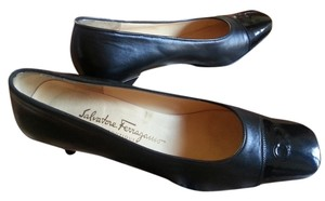 Salvatore Ferragamo 9 Classic black Pumps