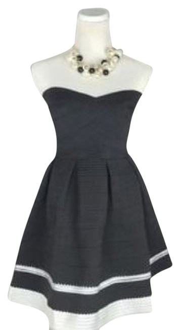 Item - Black and White Casusal & Romper Textured Sweetheart Bust Tea Cup Shape Mini Cocktail Dress Size 4 (S)