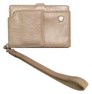 Travelon Wristlet in Beige