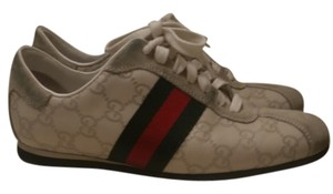 Gucci Monogram Gg white leather and suede with red and green trim Athletic