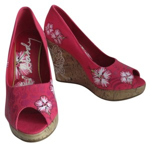 Ed Hardy Floral Size 8 Pink Wedges