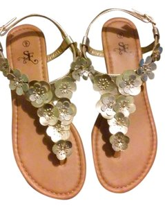 Söfft Silverish & golden mix Sandals