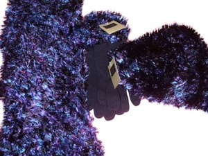 Covington 3 pc Covington gloves, hat & scarf purple & blue boucle winter outerwear set warm fashion style