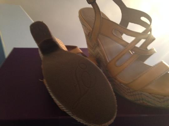 Fergie yellow, multi Wedges