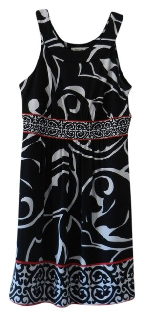 Preload https://item4.tradesy.com/images/white-house-black-market-multi-above-knee-cocktail-dress-size-10-m-696013-0-0.jpg?width=400&height=650