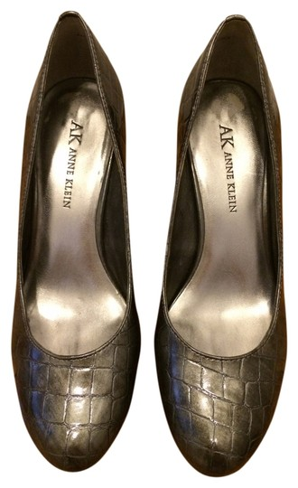 Preload https://img-static.tradesy.com/item/696212/anne-klein-pewter-wystere-pumps-size-us-55-0-0-540-540.jpg