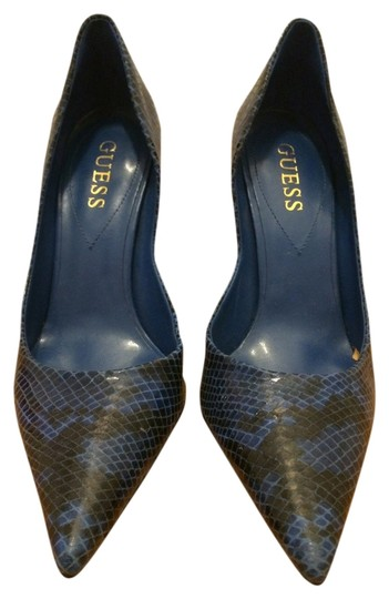 Preload https://img-static.tradesy.com/item/696296/guess-blue-synthetic-gwcarries-pumps-size-us-6-0-0-540-540.jpg