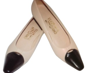 Salvatore Ferragamo Beige Black Pumps