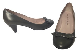 Marc by Marc Jacobs Gray Bow 37 Classic Grey Pumps