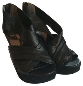 Nine West Blac Wedges