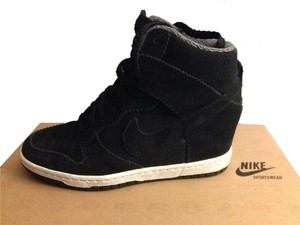 Nike Wedges - Up to 90% off at Tradesy d3e7bb7304b7