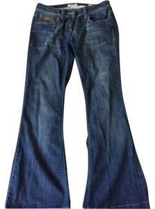 Burberry Designer Plaid Barely Worn Nice Fit Relaxed Fit Wide Medium Rise Stylish Classic Size 6 Size 29 Relaxed Fit Flare Leg Jeans