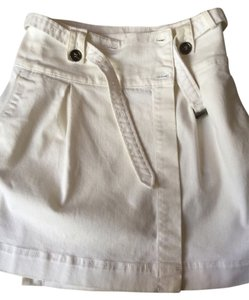 Burberry Size 6 Size 28 Size 29 High Waisted Above The Knee Pleated Off Skirt White/Off-White