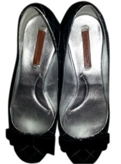 Preload https://img-static.tradesy.com/item/6977/bcbgmaxazria-black-and-silver-ma-cora-patent-flats-size-us-9-regular-m-b-0-0-540-540.jpg