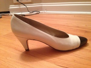 Sesto Meucci White & Black Pumps