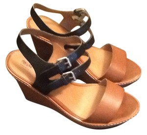 Wesser Tan and Blue Wedges