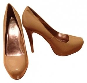 Charlotte Russe Buff / Tan Pumps