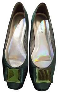 Nine West hunter green Flats