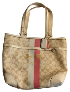 Coach Tote in Light Khaki/Pink