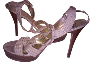 Guess Leather T-strap Gold/champagne Sandals